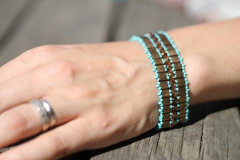 Armbandet Lace, turkosbrunt